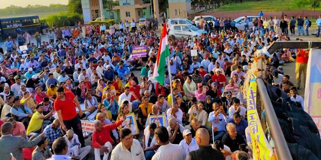 MPPSC AP भोपाल में, प्रवेश से पहले 27 सहायक प्राध्यापकों ने मुंडन कराया, जानिए वो क्यों और किसका विरोध कर रहे हैं