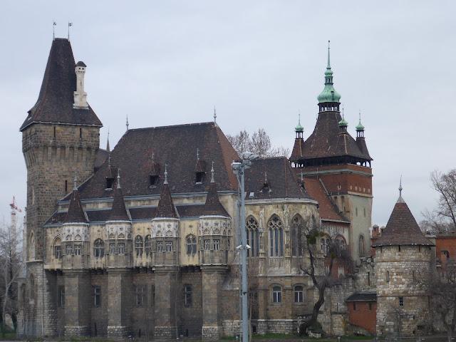 le château de Vajdahunyad Budapest Hongrie