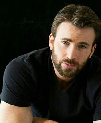 "Chris Evans Clarifies His Position In The ""Captain America"" Franchise"