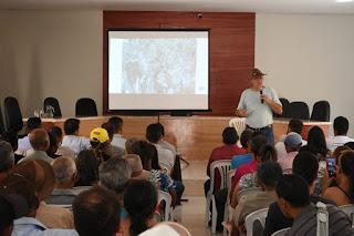 Guajeru: agricultores e produtores rurais participam de seminário sobre o cultivo da palma