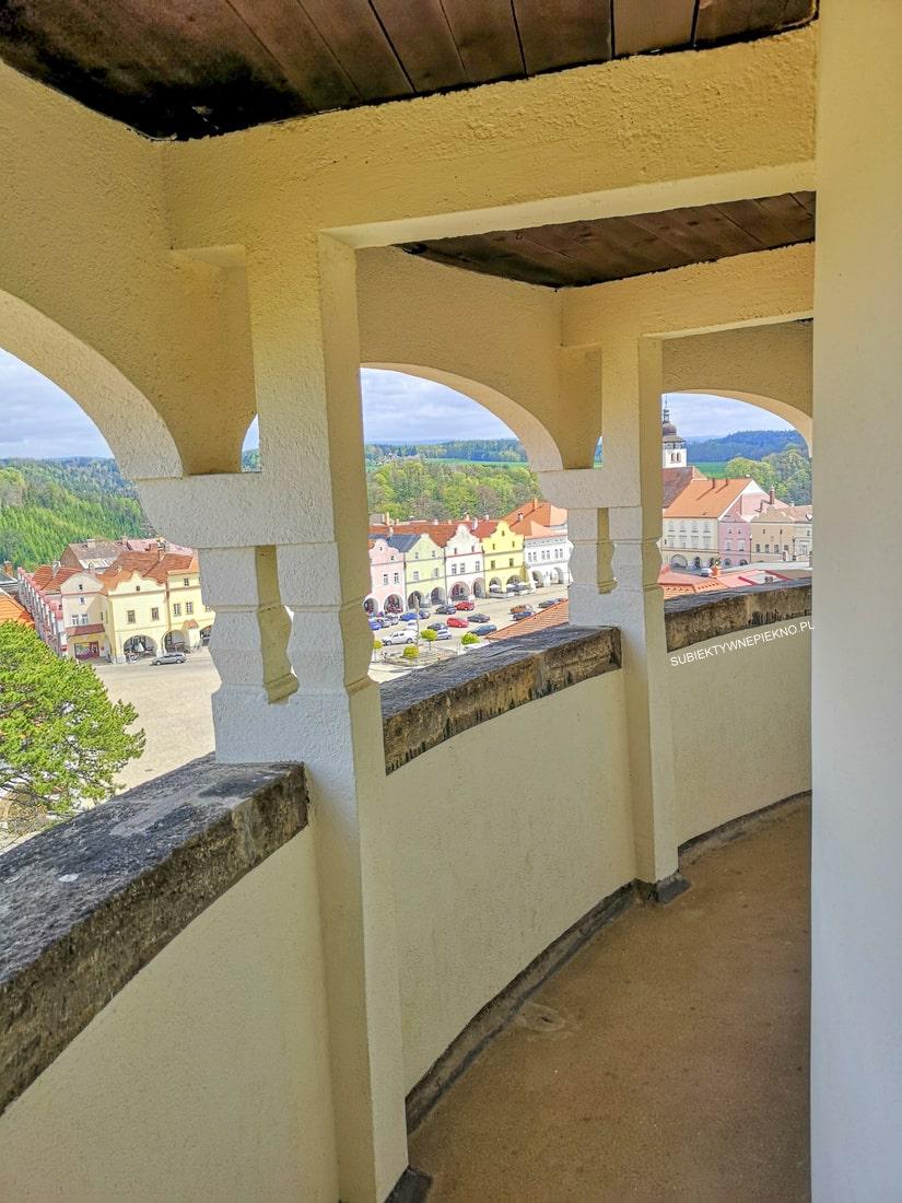 Nowe miasto nad Metują zamek, wieża widokowa Czechy