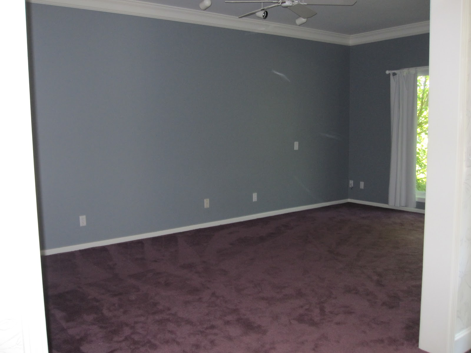 What Color Walls Go With Purple Carpet