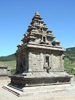Sejarah Candi Dieng Wonosobo - Candi Arjuna