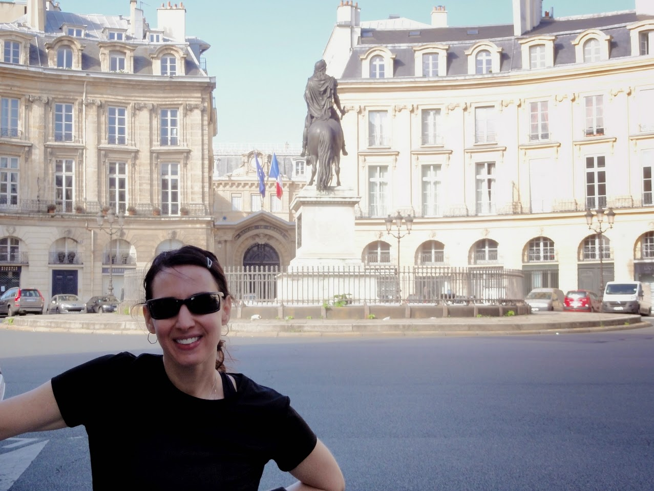 Paris running tour sightjogging in paris - Place des victoires metro ...
