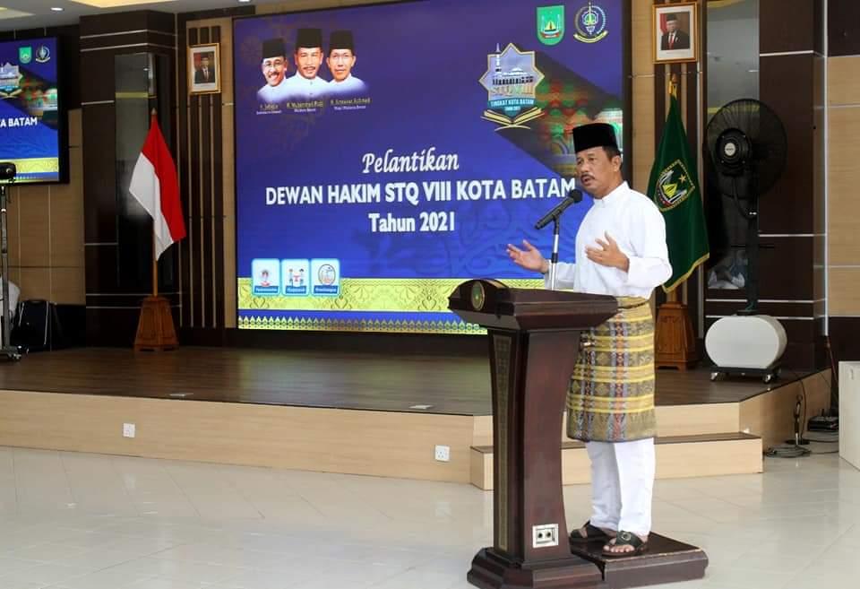 Rudi Lantik Amsakar Sebagai Ketua LPTQ Kota Batam