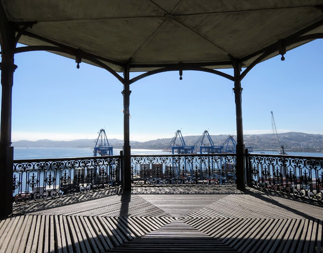 Valparaíso port viewed through a Victorian gazebo
