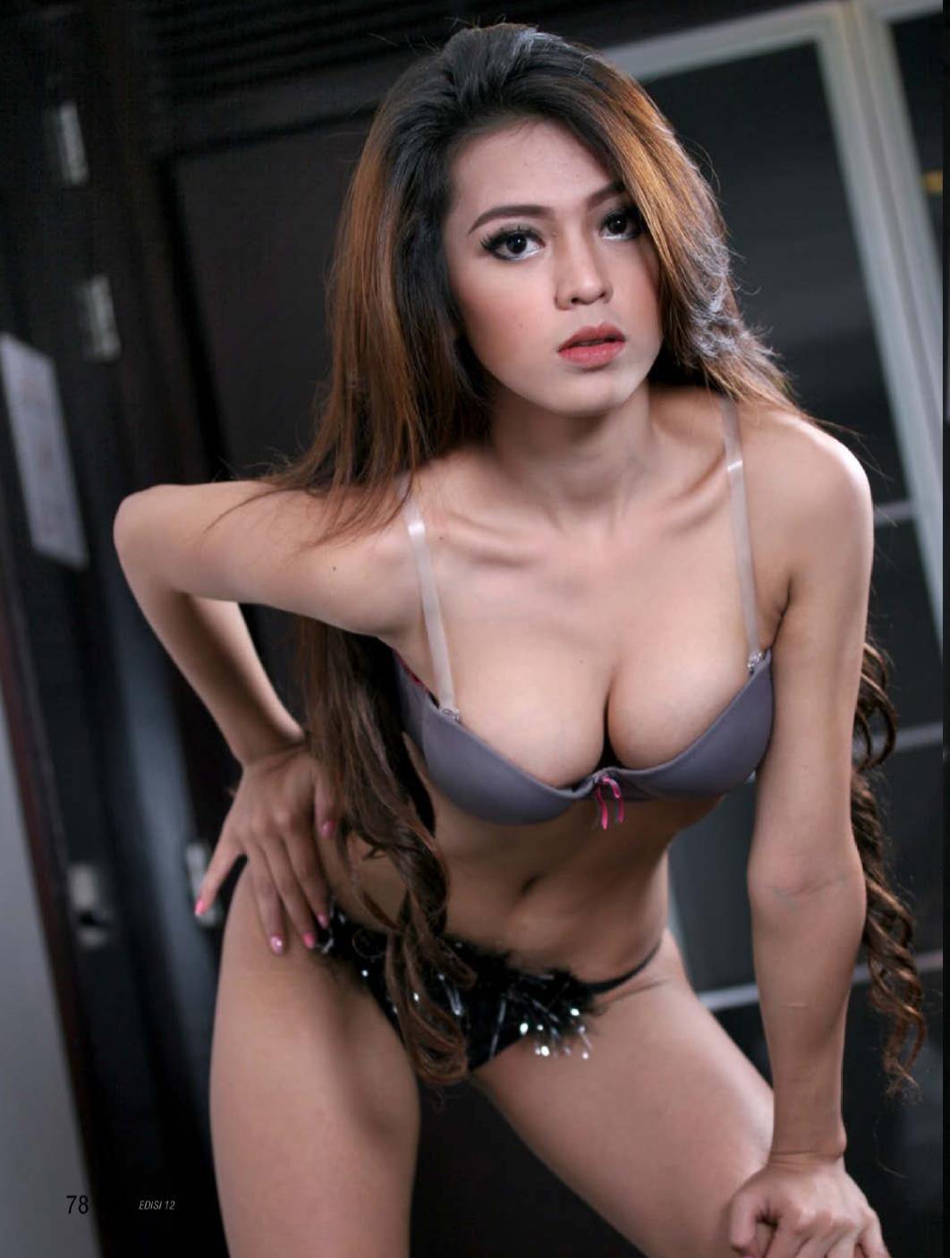 Sexy Pose Verra Indah On GRess Magazine