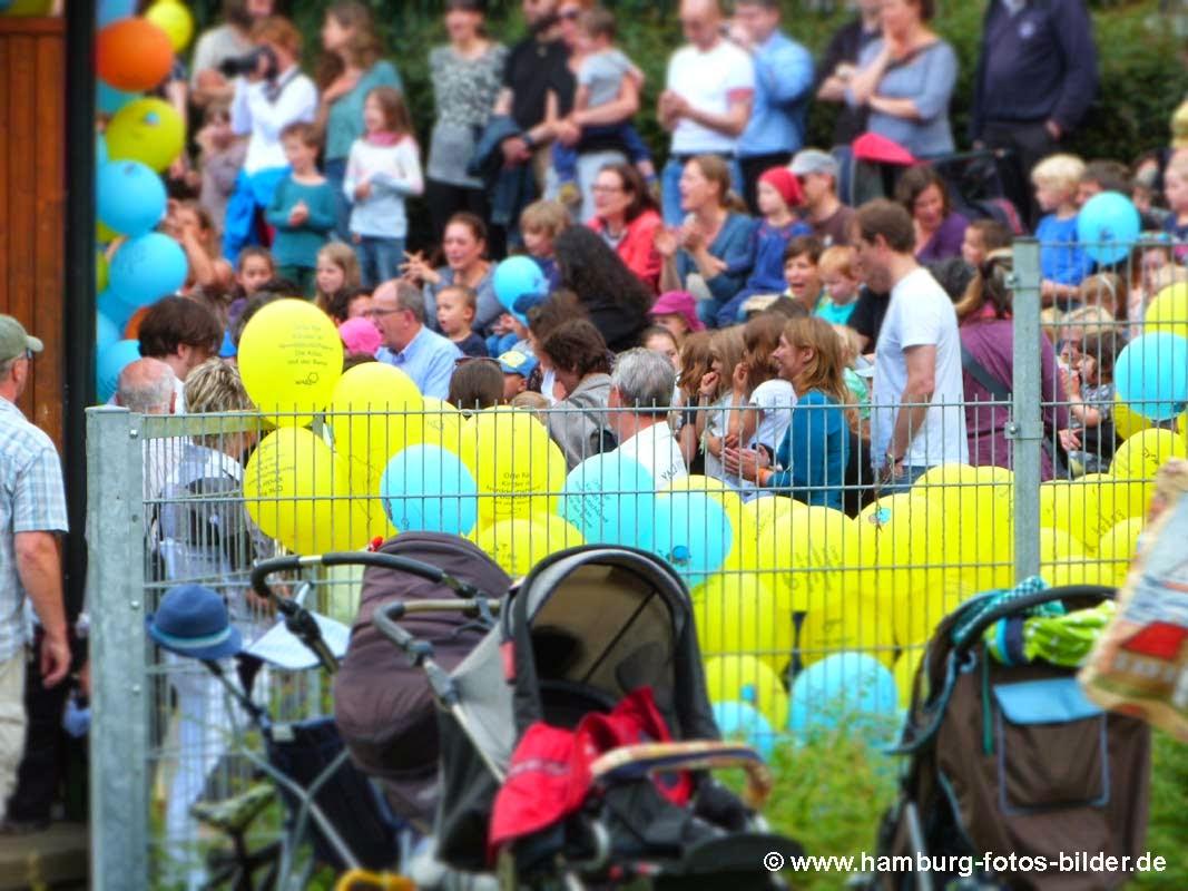 Kinderfest Hamburg Wabe Experimenta Freilichtbuehne Kinder auffuehrung