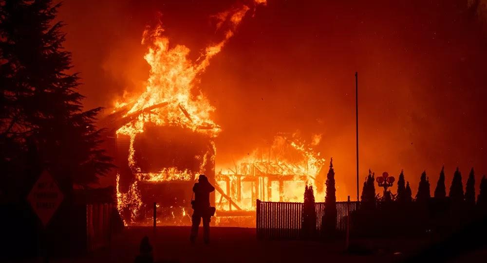 كاليفورنيا تشتعل... 600 حريق يأكل الأخضر واليابس ويطرد السكان