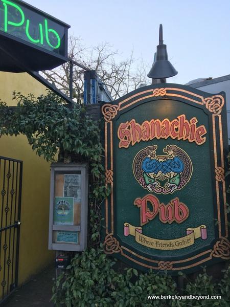 entrance to Shanachie Pub in Willits, California