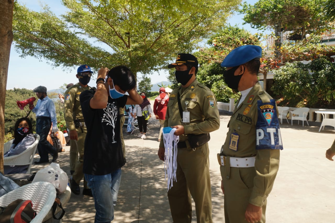 Tni Polri Dan Satpol Pp Bersama Dinas Kemendagri Provinsi Jateng Gelar Patroli Gabungan Ke Sejumlah Obyek Wisata Di Kab Semarang