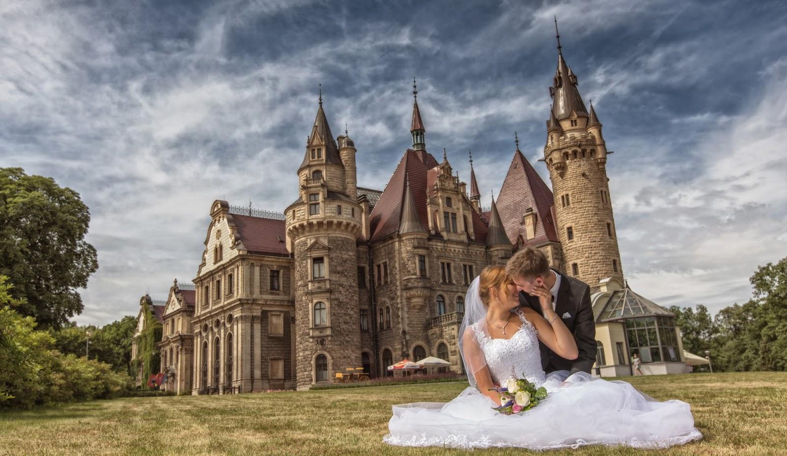 Zamek W Mosznej Zakochani W Podróży