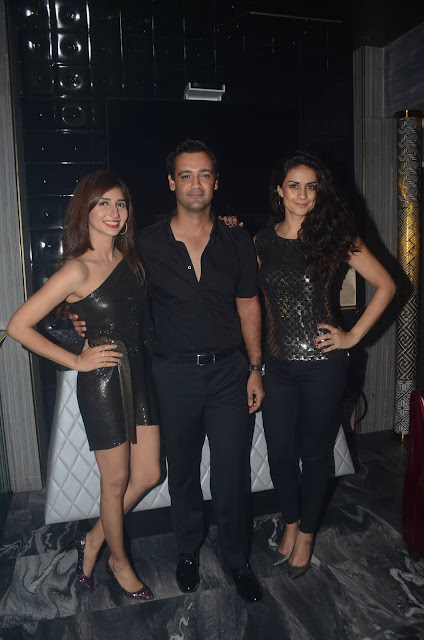 (L-R) Tanvi Shah, Rehan Poncha, Gul Panag at the launch of newly opened night club in Juhu - Copy