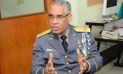 El general de brigada Neivi Luis Pérez Sánchez amenazó con matar a una menor de edad