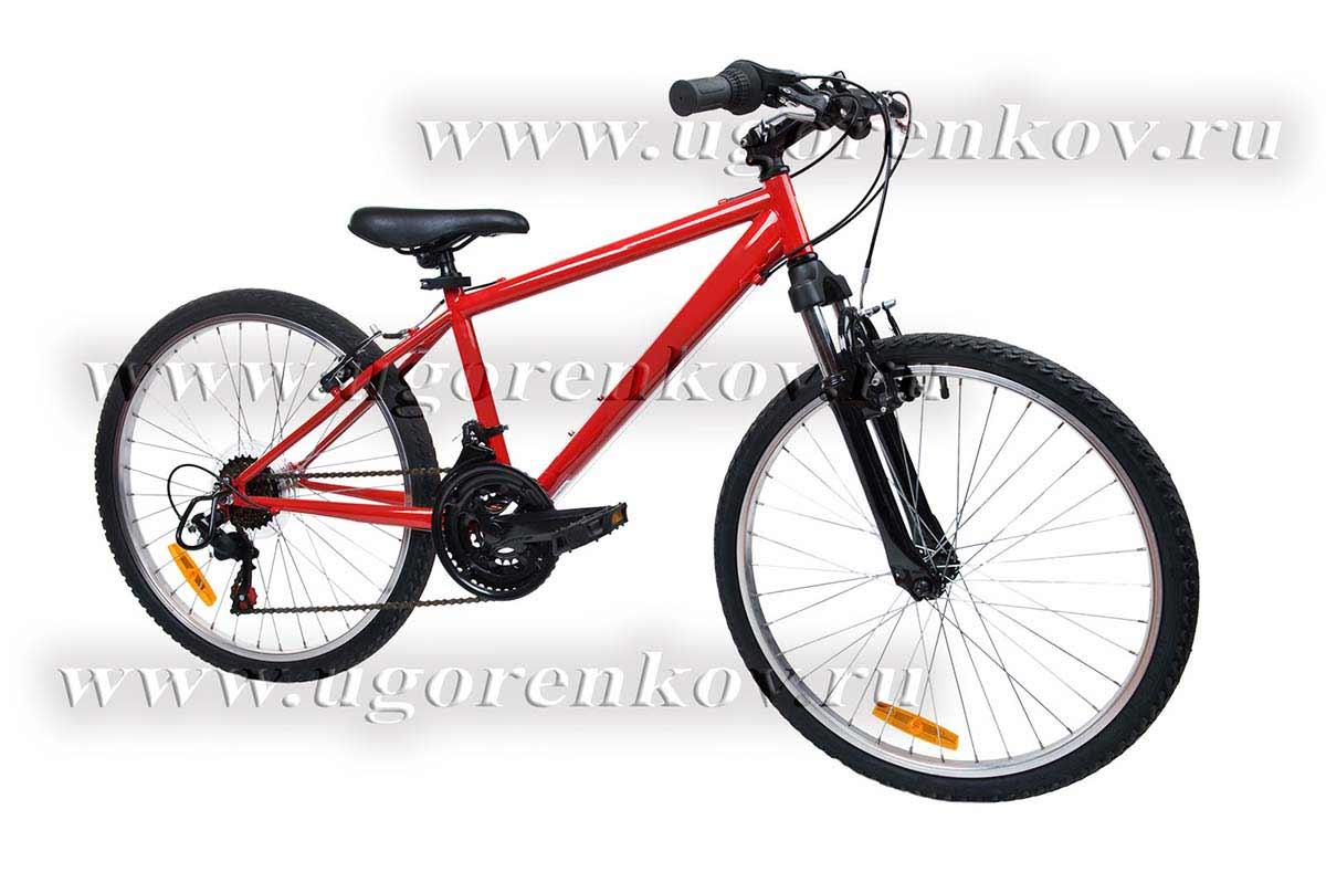 красный велосипед на белом фоне