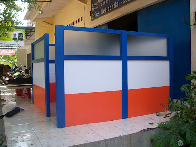 Partisi Dan Meja Kantor Bisa Bongkar Pasang + Furniture Semarang ( Meja Sekat Kantor )