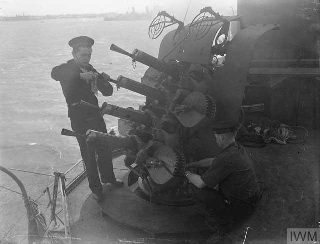Guns on Dutch destroyer, 24 December 1941 worldwartwo.filminspector.com