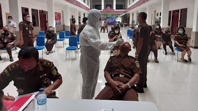 Hari Pertama Kerja, Pegawai Kejati Sumut Dirapid Antigen