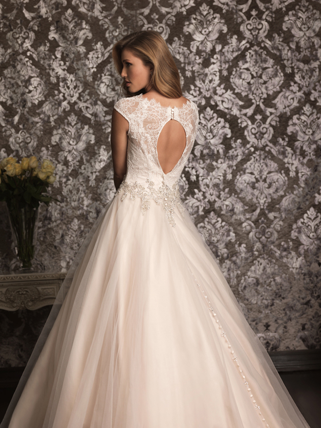 Lace back wedding dresses part 4 belle the magazine for Wedding dresses lace back
