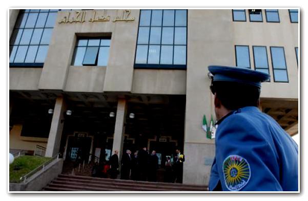 الجزائر تدين مغربياً بـ12 سنة سجناً بتهمة التخابر !
