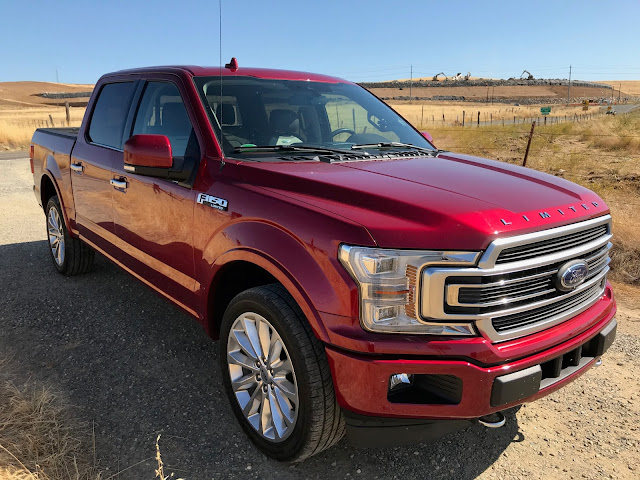 Front 3/4 view of 2019 Ford F-150 SuperCrew