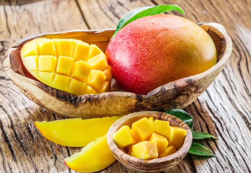 How to Prepare and Serve a Mango