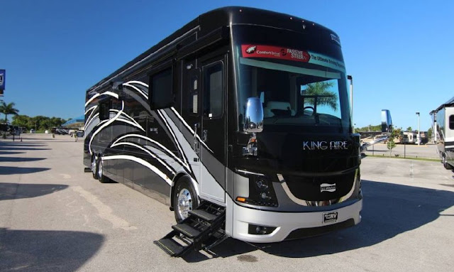 Newmar King Aire 4553 Bus