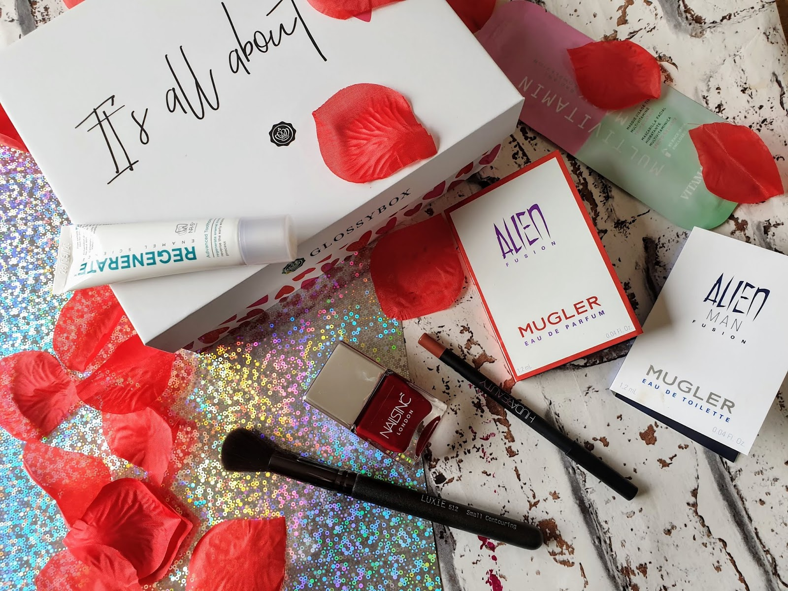 GLOSSYBOX FEBRUARY 2019 UNBOXING! | REVIEW