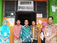 Abdul Rahman Bando Pantau UNBK di SMP Negeri 4 Makassar