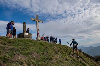 Aritz Egea llegando a la cima en una de las vueltas. Crédito: Aritz Gordo