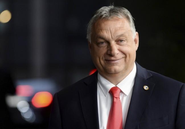 """Covid-19 : Viktor Orbán défend sa politique de fermeture et charge """"les bureaucrates de Bruxelles...!"""""""