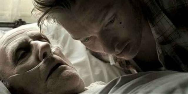 Ini 5 Hal Yang Harus Dilakukan Pihak Keluarga Saat Mendampingi Orang Yang Sedang Sakaratul Maut