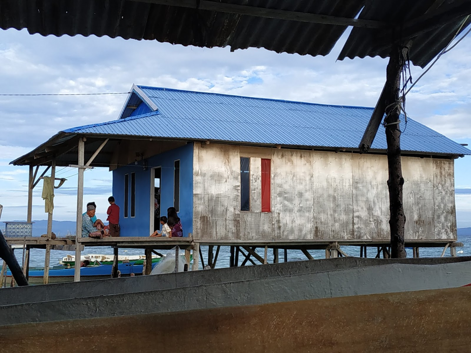 Kondangan ke Pulau Saponda, Angin Kencang, dan Kesurupan