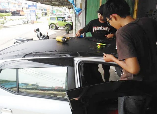 stiker-wrapping-mobil