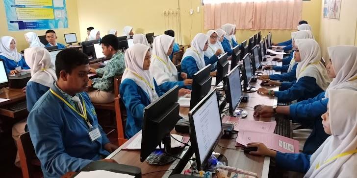 Mengenal Jurusan Otomatisasi Tata Kelola Perkantoran SMK Kesehatan Muhammadiyah Trenggalek