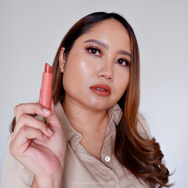 Swatch BLP Lip Bullet Biscotti Review