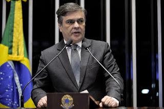 """Imprensa nacional classifica PL do ex-senador Cássio como de """"importância vital para a advocacia"""""""