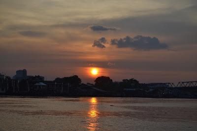 Sunset sungai kapuas dari kapal Blogger Pontianak