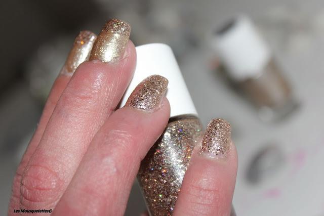 Résultat avec les vernis laque et paillette Nailmatic - Blog beauté Les Mousquetettes©
