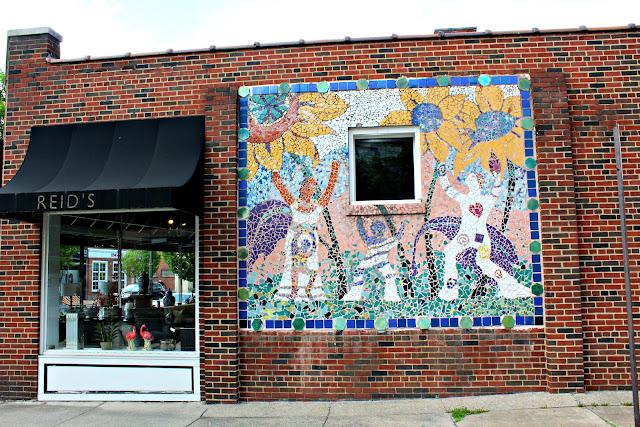 Around Roanoke VA A Daily Blog Anon Muralist