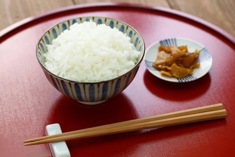 طريقة الأرز المطهو على البخار لرجيم صحي