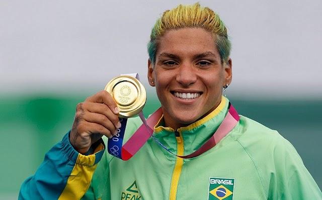 'Acredite nos seus sonhos', diz Ana Marcela, após ouro olímpico em Tóquio