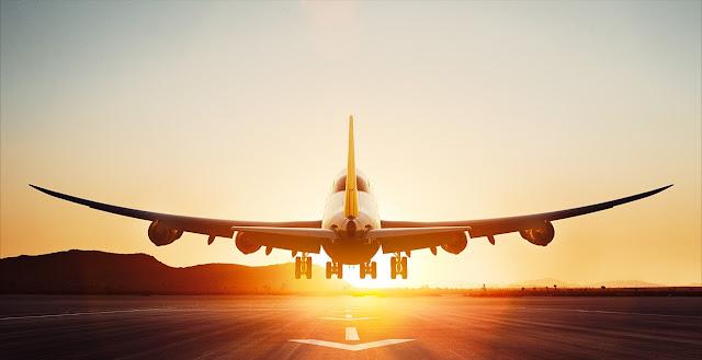Lufthansa Boeing 747-8 Intercontinental Sunset Takeoff