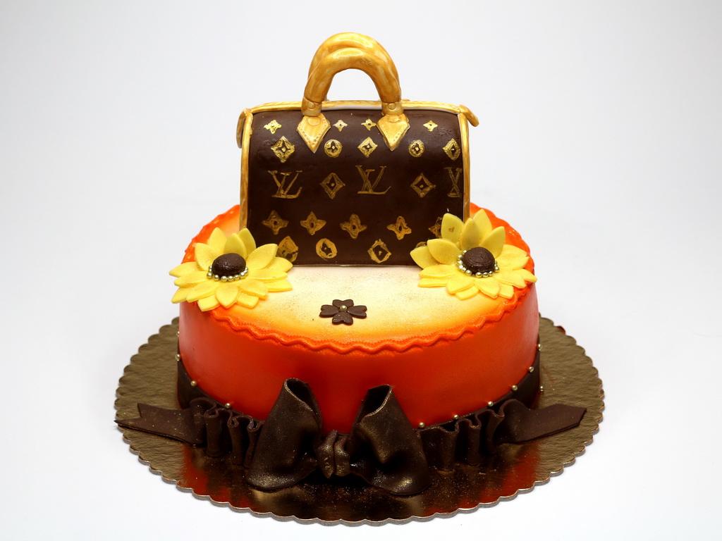Astounding Birthday Cakes London Personalised Birthday Cards Veneteletsinfo