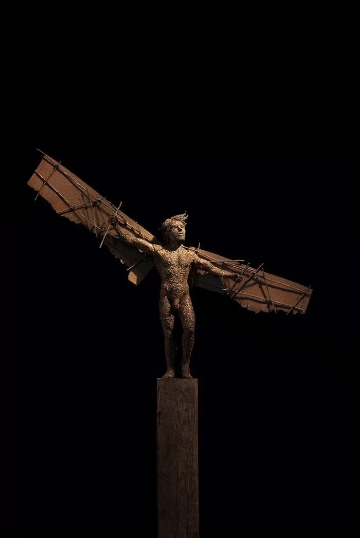 Скульптуры из проволоки.