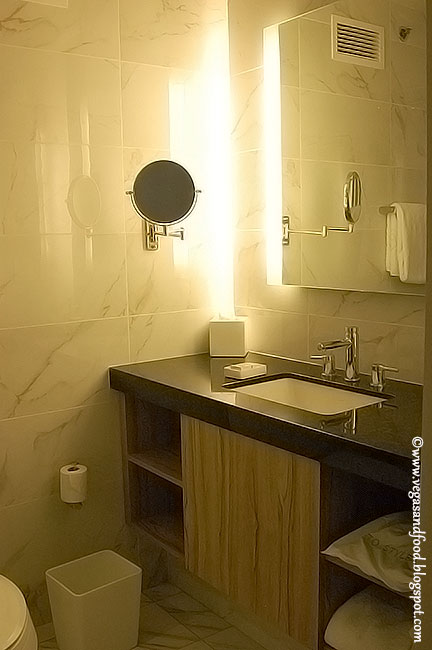 The LINQ Las Vegas Hotel Room