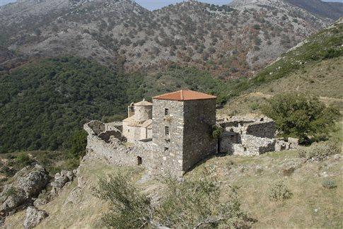 Οίτυλο, το κάστρο της Κελεφάς και η μονή Τσίγκου