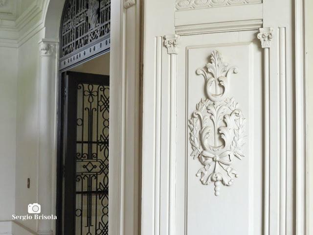 Palacete Basílio Jafet (entalhes das portas)
