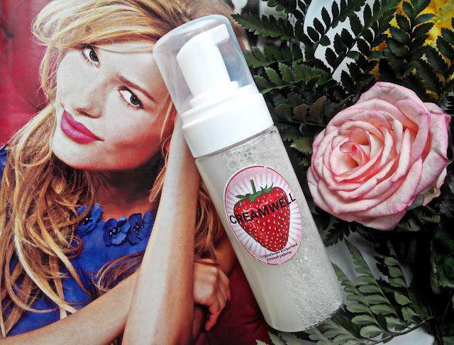 Creamwell Пенка для умывания с фруктовыми кислотами