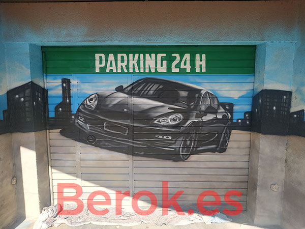 Graffiti de coche en parking
